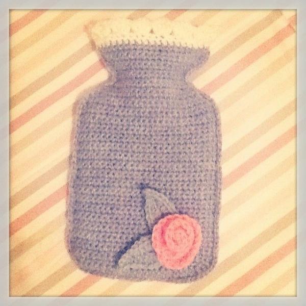 _lara_x crochet hot water bottle cozy