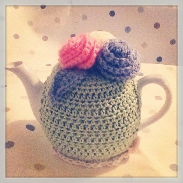_lara_x crochet teapot cozy