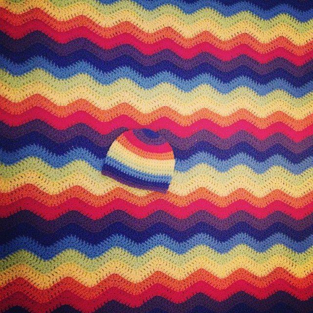 loucamp rainbow chevron crochet