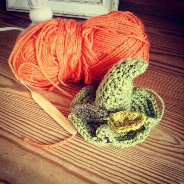 make_the_nest crochet pumpkin