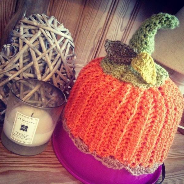 make_the_nest crochet pumpkin hat