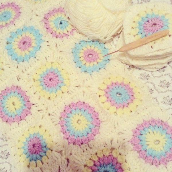 makethenest crochet blanket squares