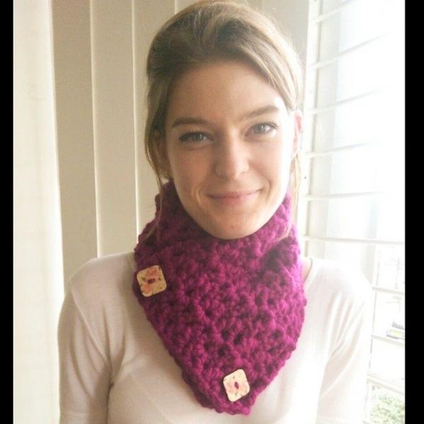 mazlayley crochet button cowl