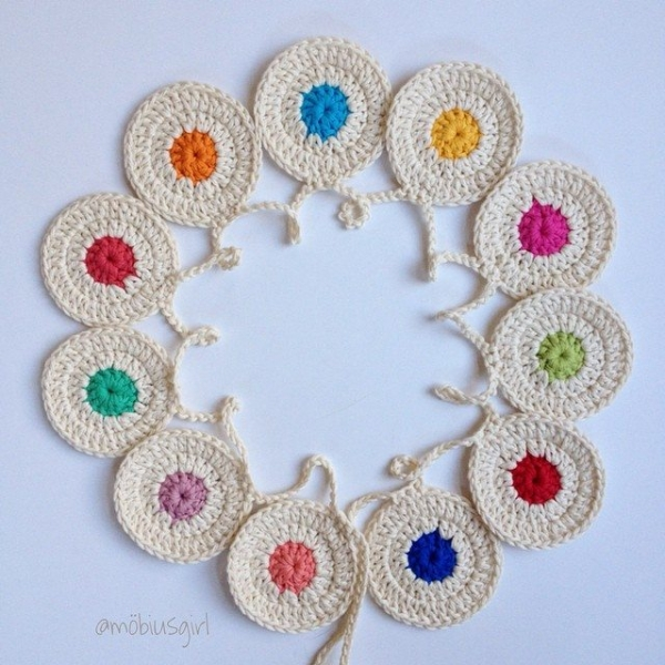 mobiusgirl crochet bunting