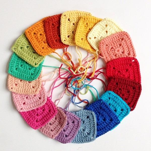 mobiusgirl crochet squares