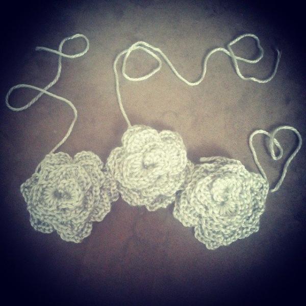 s.s.strange crochet roses