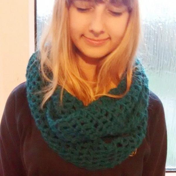 sakurablythe crochet cowl