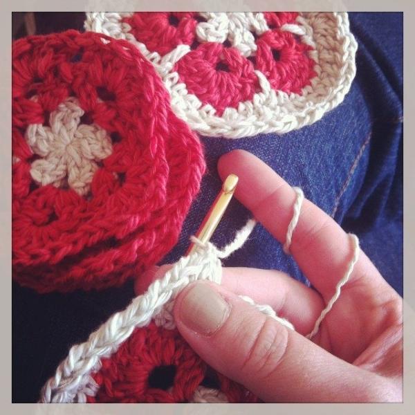 stephanie davies crochet flowers hat