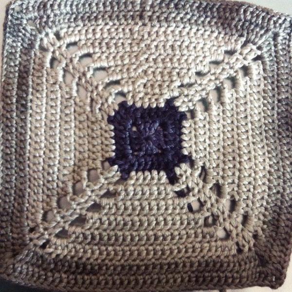 stephaniedavies crochet square 2