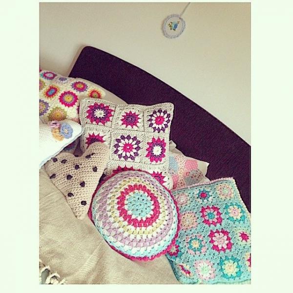 sweet_sharna_makes crochet cushions