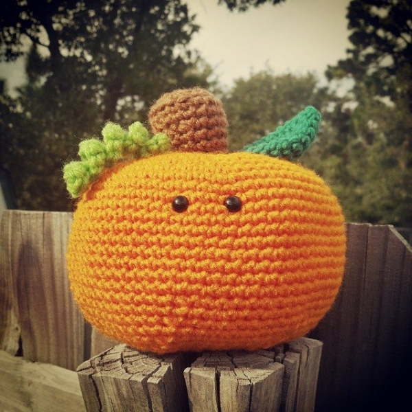 valerieburns crochet pumpkin