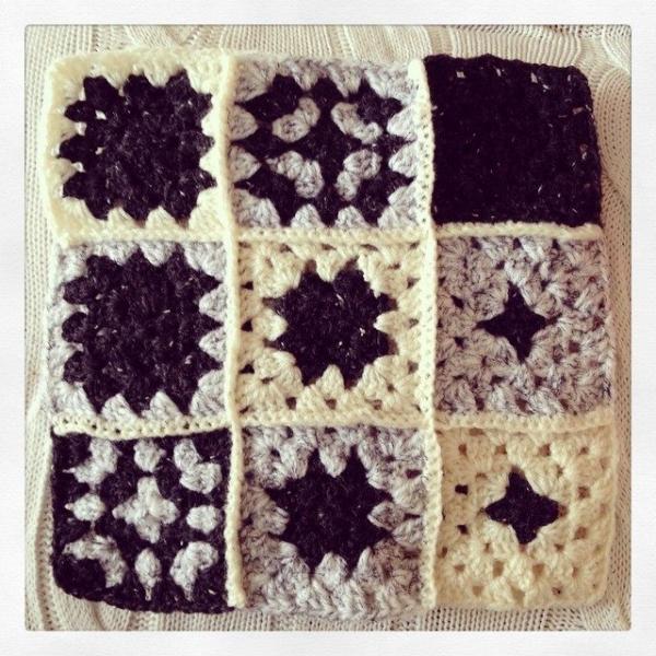 x_shelbelle_x crochet blanket squares