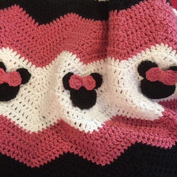 Crochet Patterns For Minnie Mouse : 2014 Featured Crochet Instagrammer: Audra_Hooknowl