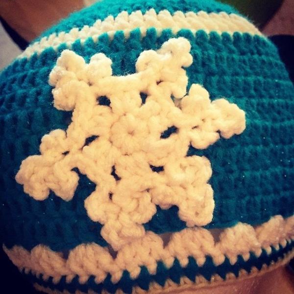 audra_hooknowl frozen crochet hat 2