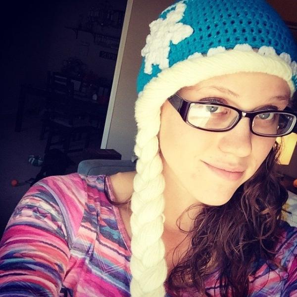 audra_hooknowl frozen crochet hat
