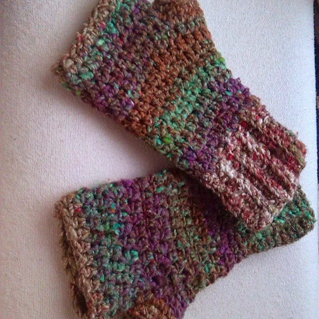Crocheting With Hands : bethshananne crochet handwarmers