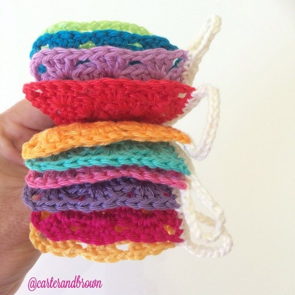 carter_and_brown crochet bunting