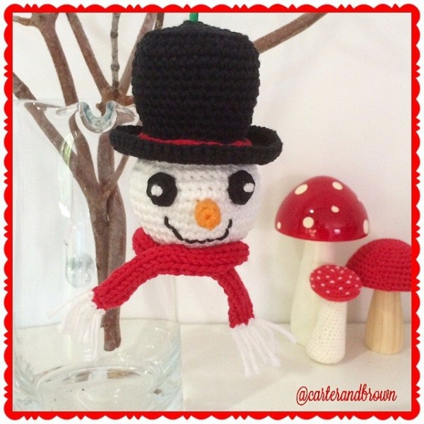 carter_and_brown crochet christmas snowman
