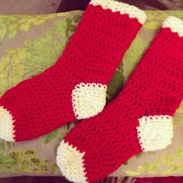 clairebearunwin crochet stockings