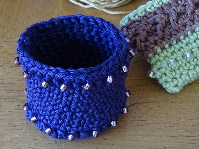 crochet beaded pot free pattern