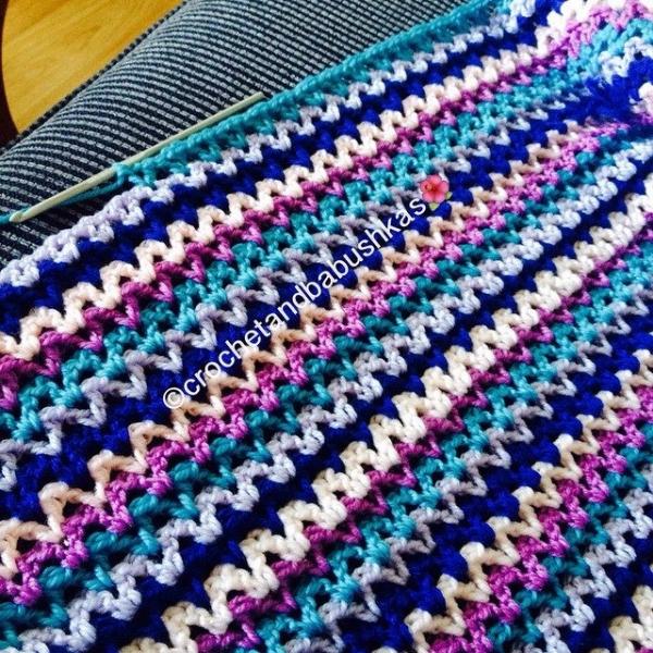 crochetandbabushkas crochet vstitch