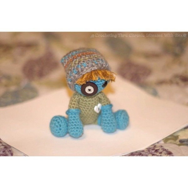crochetingthruchronicdiseases crochet doll 3