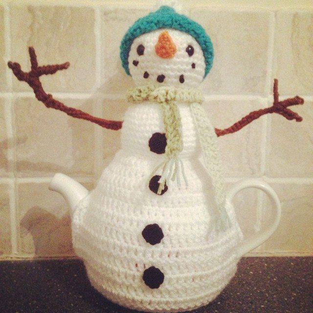 cuteashook crochet winter teapot