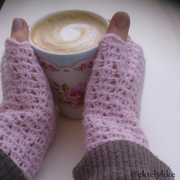 ektelykke crochet fingerless gloves