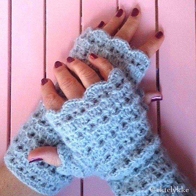 ektelykke crochet wristers