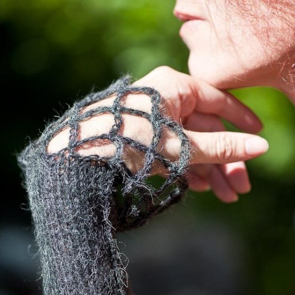 lisesolvang knit and crochet cuff