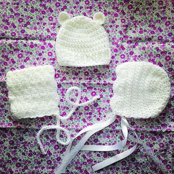 loucamp crochet newborn hats