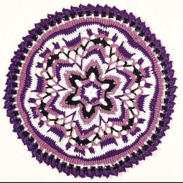 mobiusgirl crochet mandala