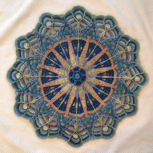 dotrebeccadot crochet mandala