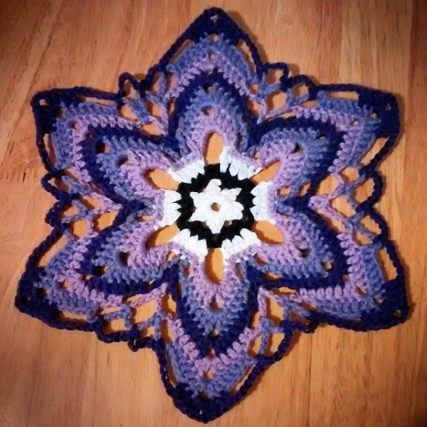 sakurablythe crochet starflower mandala