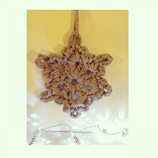 sweet_sharna_makes crochet t-shirt yarn snowflake
