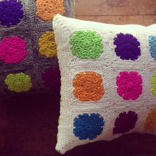 woolyana crochet pillows
