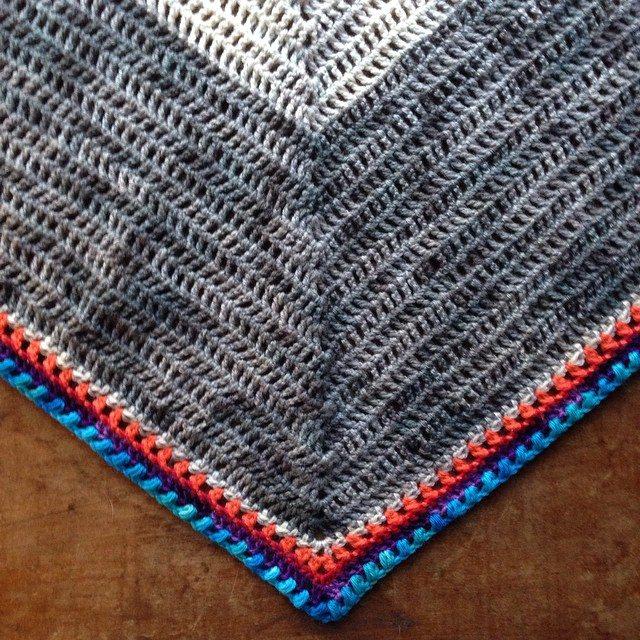 woolyana crochet shawl
