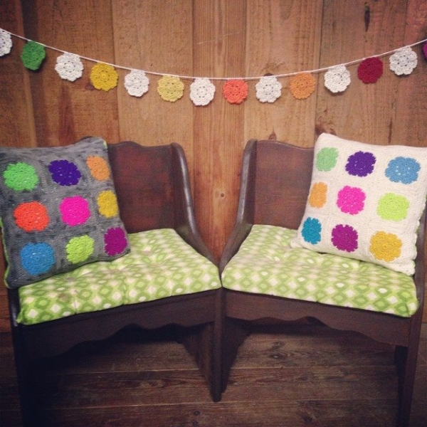 woolyanan crochet bunting and pillow