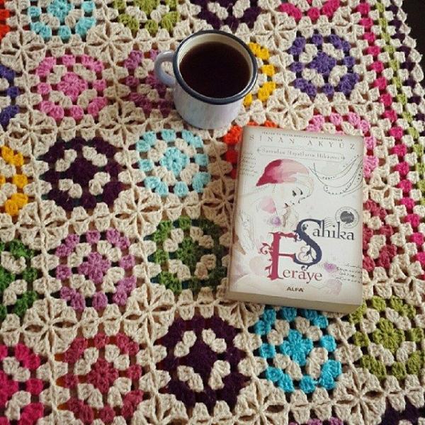 annesurr crochet squares blanket