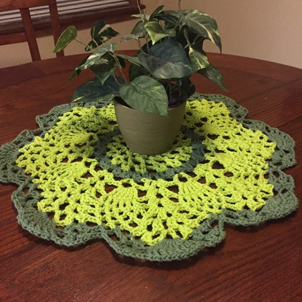 audra_hooknowl crochet doily