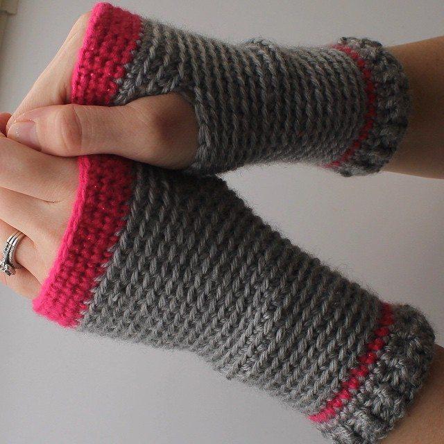 audra_hooknowl crochet fingerless gloves