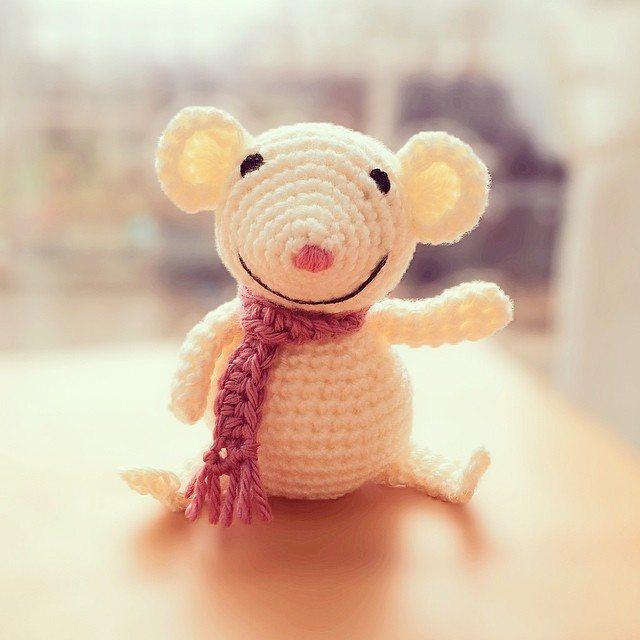charliwalker44 crochet mouse