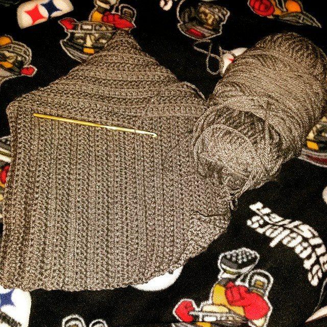 cozytoezies_crochet scoodie