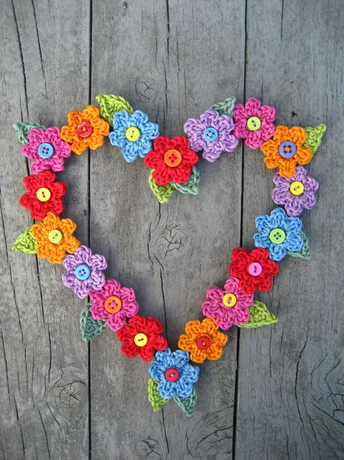 crochet button flower wreath tutorial