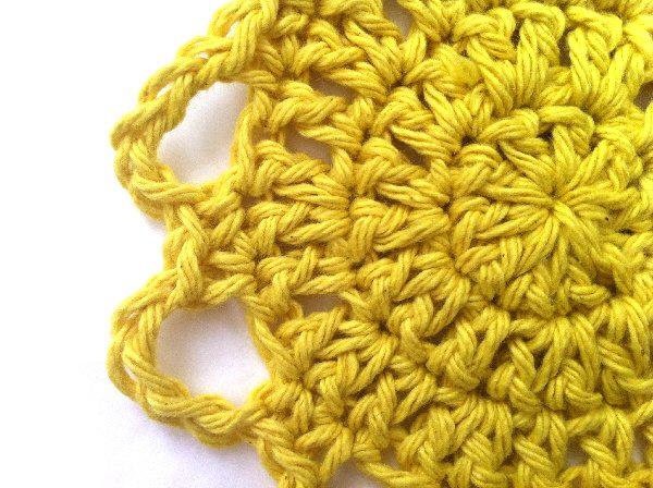 au crochet motif de fleurs