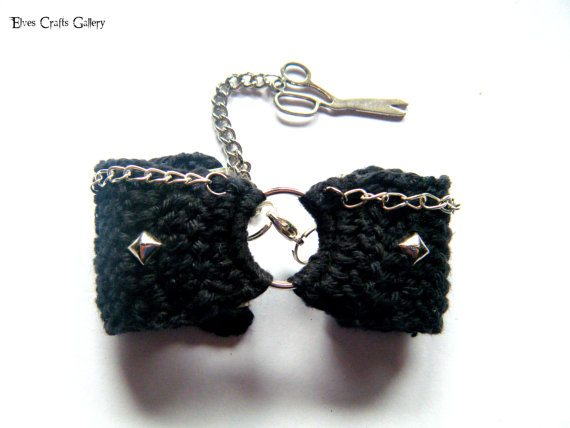 crochet scissors bracelet