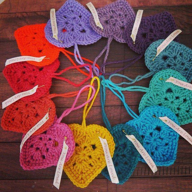 daraweyna crochet hearts