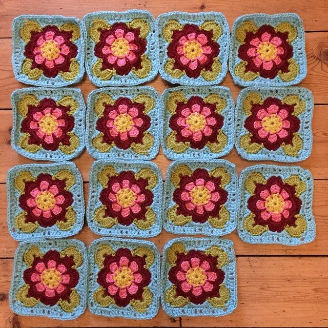 holly_pips crochet squares