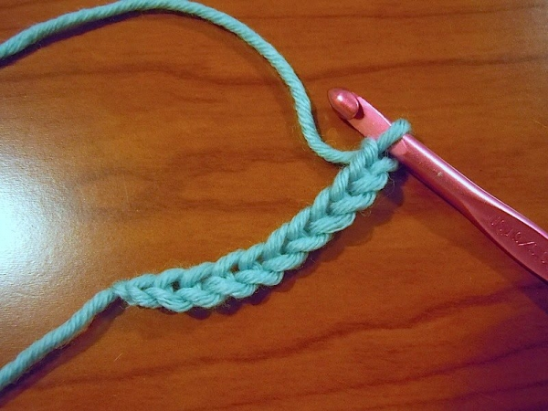 how to crochet chain