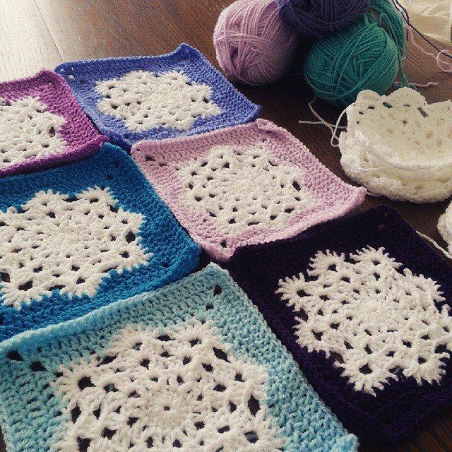 jenjendb crochet snowflake squares